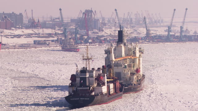 russie : icebreaker in doudinka port - russia stock videos and b-roll footage
