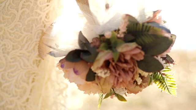 rustic wedding bouquet - bouquet video stock e b–roll