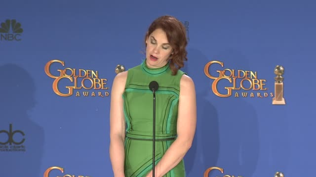 vidéos et rushes de ruth wilson at 72nd annual golden globe awards - press room at the beverly hilton hotel on january 11, 2015 in beverly hills, california. - the beverly hilton hotel