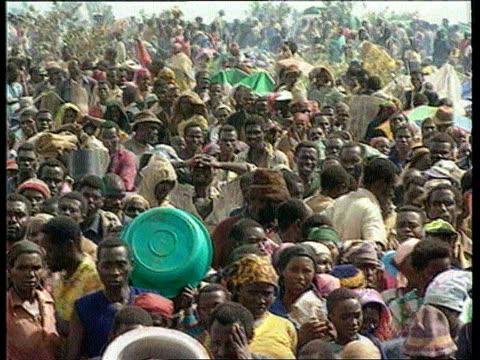 Rwandan refugees ITN LIB Ngara Refugees from fighting in Rwanda PAN
