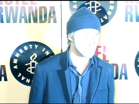 ryan gosling at the 'hotel rwanda' los angeles premiere at the academy theatre in los angeles california on december 3 2004 - ryan gosling stock videos and b-roll footage
