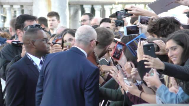 ryan gosling attends 'first man' premiere during 66th san sebastian film festival on september 24, 2018 in san sebastian, spain. - berühmte persönlichkeit stock-videos und b-roll-filmmaterial