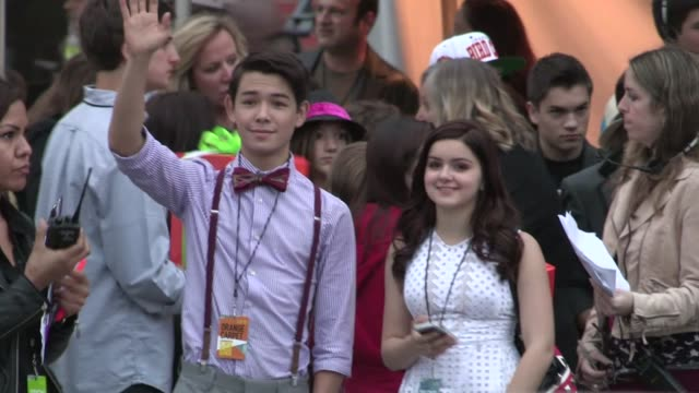 ryan potter and ariel winter at 2012 nickelodeon kids' choice awards ryan potter and ariel winter at 2012 nickelodeon k on march 31 2012 in los... - ariel winter stock videos and b-roll footage