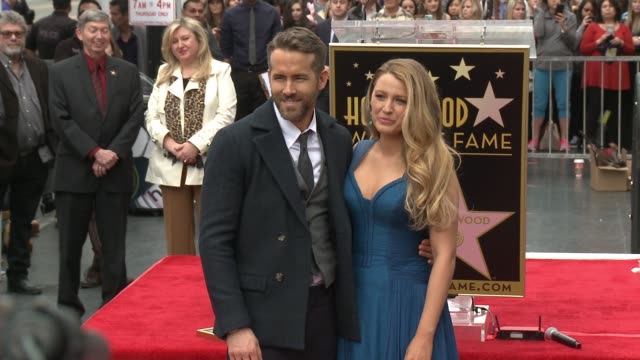 stockvideo's en b-roll-footage met ryan reynolds and blake lively at hollywood walk of fame on december 15 2016 in hollywood california - hollywood walk of fame
