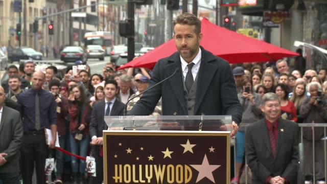 stockvideo's en b-roll-footage met speech ryan reynolds at hollywood walk of fame on december 15 2016 in hollywood california - hollywood walk of fame