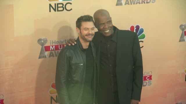vídeos de stock, filmes e b-roll de ryan seacrest and big boy at the 2015 iheartradio music awards red carpet arrivals at the shrine auditorium on march 29 2015 in los angeles california - shrine auditorium