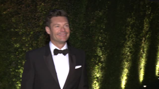 ryan seacrest at moca's 35th anniversary gala presented by louis vuitton at the geffen contemporary at moca at the geffen contemporary at moca on... - ryan seacrest stock-videos und b-roll-filmmaterial