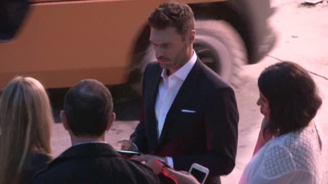 ryan seacrest departing the american idol xiv grand finale in hollywood celebrity sightings in los angeles on may 13 2015 in los angeles california - ryan seacrest stock-videos und b-roll-filmmaterial
