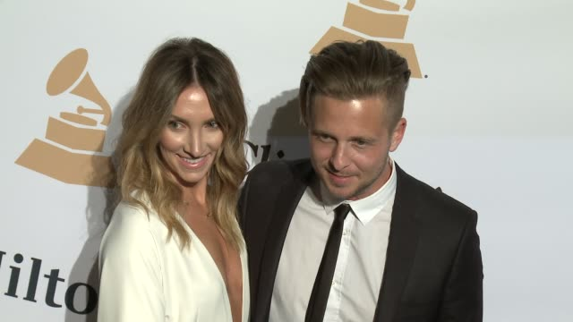 stockvideo's en b-roll-footage met ryan tedder at the 2016 pregrammy gala and salute to industry icons honoring irving azoff at the beverly hilton hotel on february 14 2016 in beverly... - irving azoff