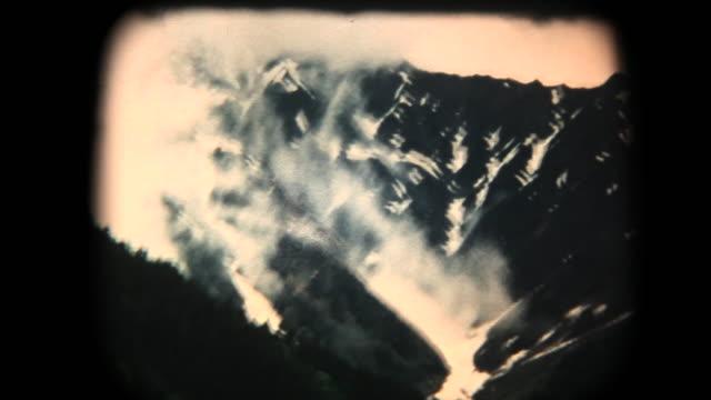 60 年代の 8 mm 映像 - kmikouchi で家族旅行 - 動画関連点の映像素材/bロール
