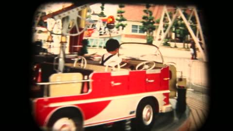 60er jahre-8 mm-film - karussell - archivmaterial stock-videos und b-roll-filmmaterial