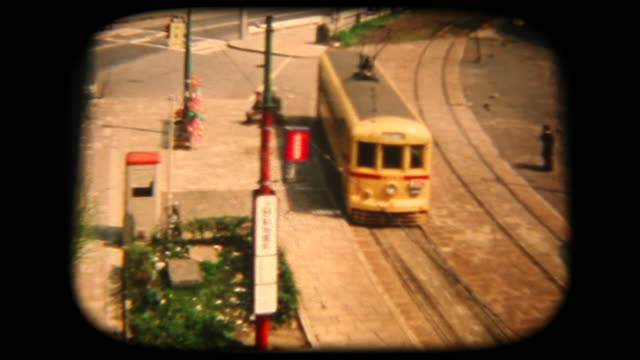 vídeos de stock e filmes b-roll de 60's 8mm footage - public transportation - film moving image