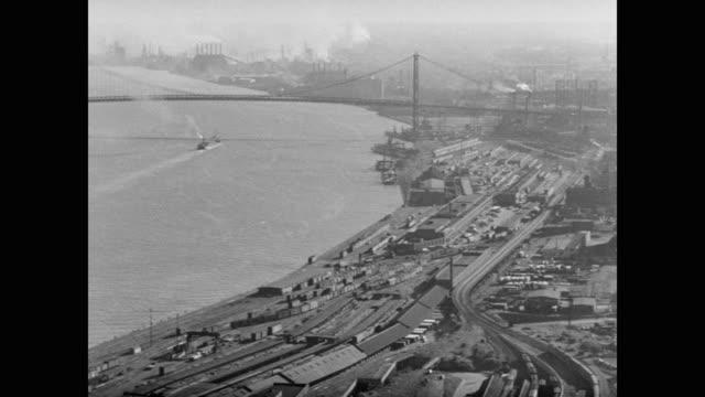 1950's - aerial view of industrial cityscape, detroit, michigan, usa - デトロイト点の映像素材/bロール