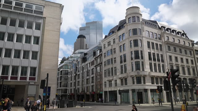 """s and street scenes in the city of london - """"bbc news"""" stock videos & royalty-free footage"""