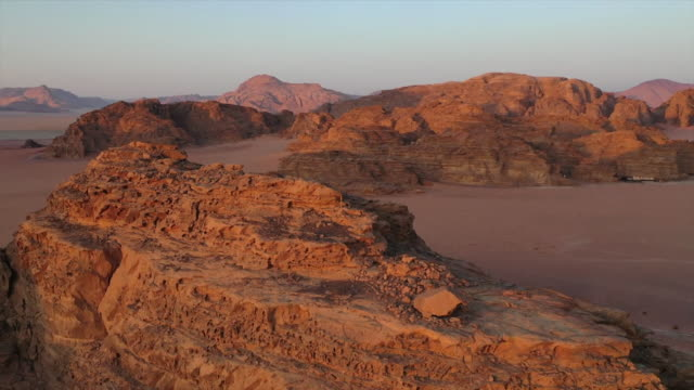 gv's arid jordanian desert - land stock videos & royalty-free footage