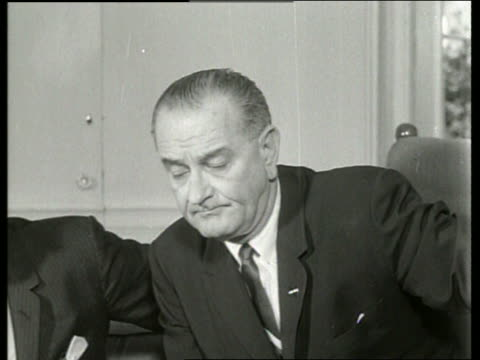 b/w 1960's close up of president lyndon johnson / sound - einzelner mann über 40 stock-videos und b-roll-filmmaterial