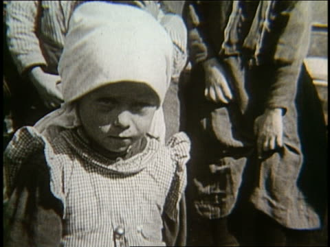 B/W 1900's close up of small immigrant girl