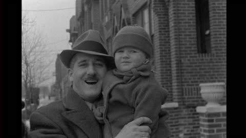 1930's family home movie - 1930 bildbanksvideor och videomaterial från bakom kulisserna