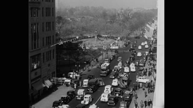 1930's - high angle view of 5th avenue traffic at grand army plaza, new york, new york - cultures stock videos & royalty-free footage
