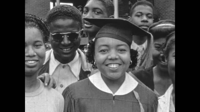 1940's - high school graduates, greenwood, tulsa, oklahoma, usa - アメリカ黒人の歴史点の映像素材/bロール