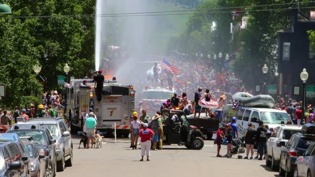 usa's independence day parade - festivalsflotte bildbanksvideor och videomaterial från bakom kulisserna