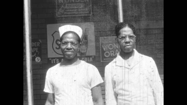 1940's - kenosha grocery market, greenwood, tulsa, oklahoma, usa - アメリカ黒人の歴史点の映像素材/bロール