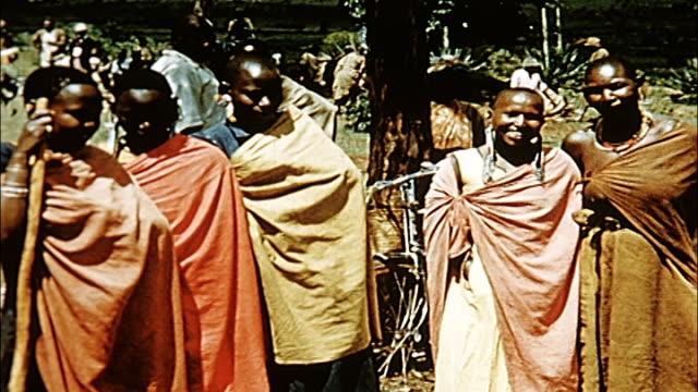 vidéos et rushes de 1960's kenya - kipsigis village - village