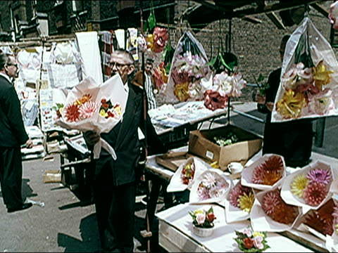 1960's large outdoor market. - kensington und chelsea stock-videos und b-roll-filmmaterial