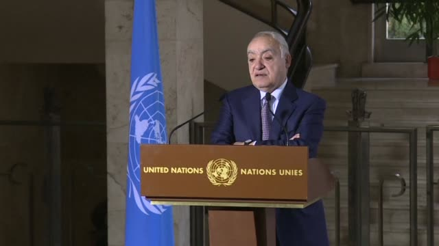 stockvideo's en b-roll-footage met un's libya envoy ghassan salame says representatives of the warring parties in libya meeting in geneva have agreed on the principle of turning their... - shaky