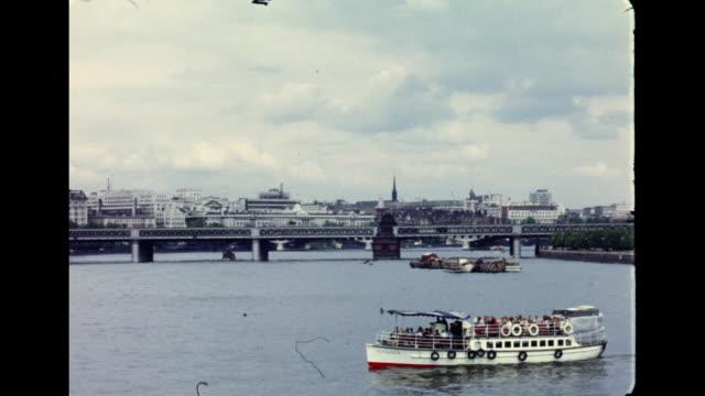 1960's london - thames river - anno 1960 video stock e b–roll