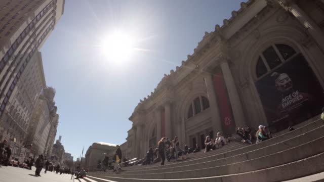 nyc's metropolitan museum of art - establishing shot - spring 2017 - 4k - metropolitan museum of art new york city stock videos & royalty-free footage