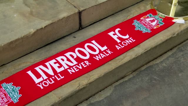 gv's of a livepool scarf outside st george's hall liverpool to commemorate the 96 victims of the hillsborough disaster - neckwear stock videos and b-roll footage