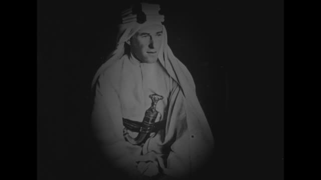 1910's photo of lawrence of arabia in bedouin attire / [note exact year not known] - arabia video stock e b–roll