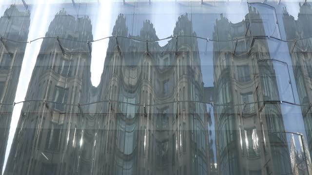 vidéos et rushes de lvmh's renovated samaritaine department store. east facade - façade