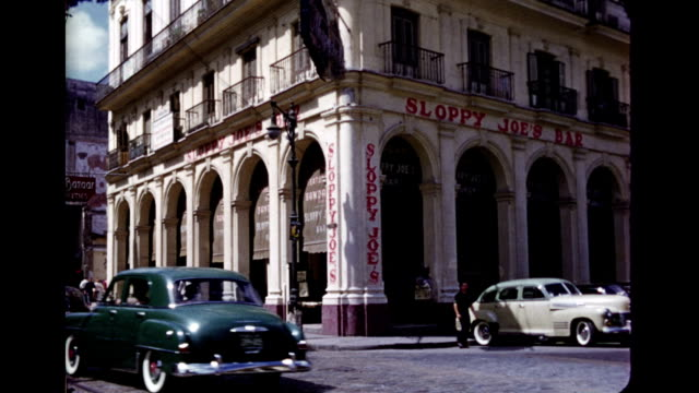 stockvideo's en b-roll-footage met 1950's scenes of havana - cuba