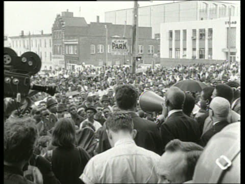 b/w 1960's speeches to crowd at civil rights demonstration / montgomery alabama / sound - martin luther religious leader stock videos & royalty-free footage