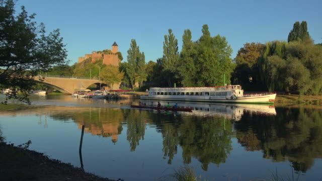 saale river and giebichenstein castle, halle an der saale, saxony-anhalt, germany - halle gebäude stock-videos und b-roll-filmmaterial