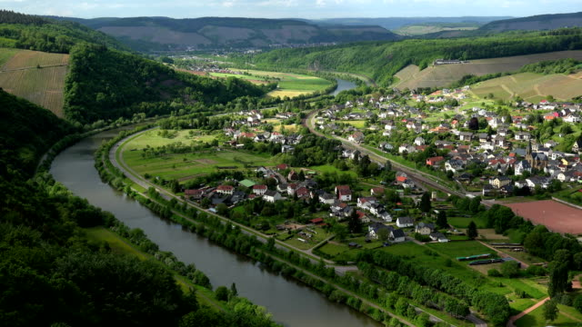 Saar Valley near Serrig, Rheinland-Palatinate, Germany