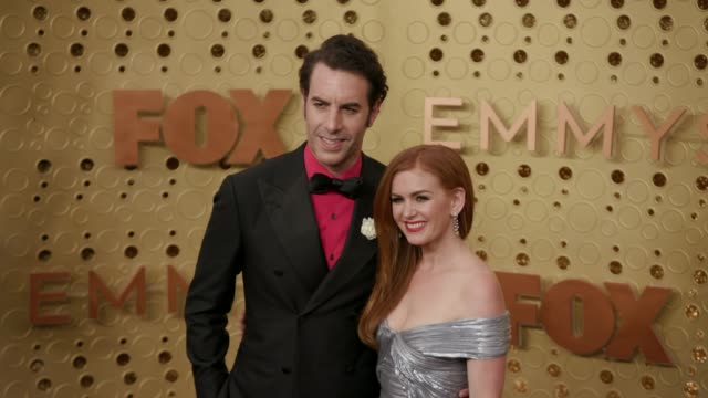 sacha baron cohen and isla fisher at the 71st emmy awards - arrivals at microsoft theater on september 22, 2019 in los angeles, california. - sacha baron cohen stock-videos und b-roll-filmmaterial