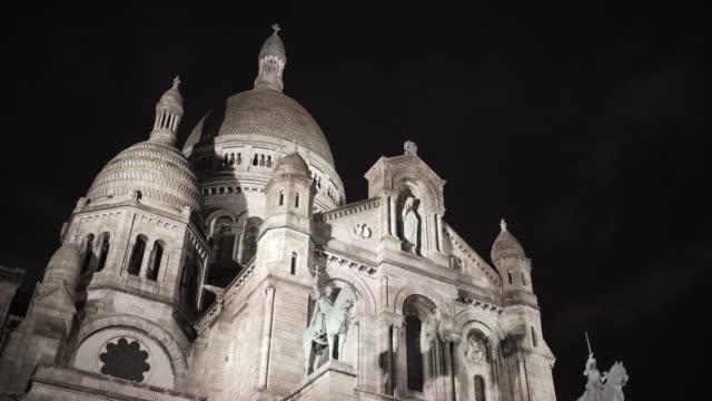 vídeos y material grabado en eventos de stock de sacré-cœur, paris in winter. - basílica del sagrado corazón de montmartre
