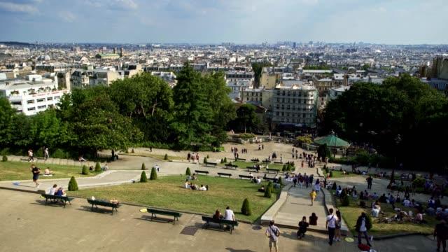 basilika sacre coeur in paris montmartre - sculpture stock-videos und b-roll-filmmaterial