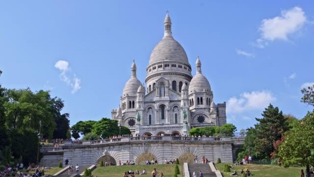 vídeos y material grabado en eventos de stock de basílica de sacre coeur, montmartre paris - basílica del sagrado corazón de montmartre