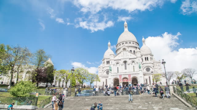 sacre coeur cathedral - basilique du sacre coeur montmartre stock videos and b-roll footage