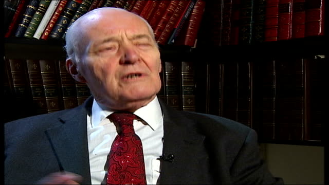 saddam hussein obituary; england: london: int tony benn interview sot - i saw him twice in 1990 and persuaded him to release all the human shields /... - トニー ベン点の映像素材/bロール