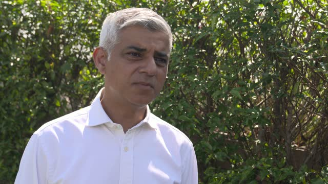 sadiq khan keeping masking wearing on review, the evidence of wearing a face mask and helping stop the spread of covid-19 on freedom day 2021 as the... - freedom stock videos & royalty-free footage