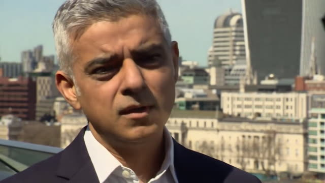sadiq khan saying theresa may has not met with him to discuss ways to tackle gangrelated violence in london - messerstecherei stock-videos und b-roll-filmmaterial