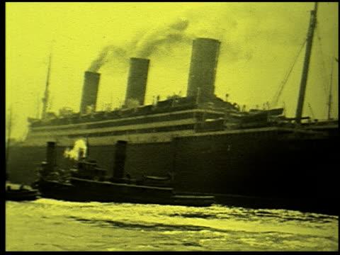 safety at sea - 5 of 17 - この撮影のクリップをもっと見る 2252点の映像素材/bロール