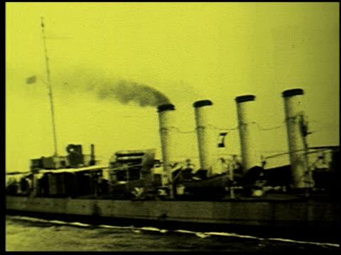 safety at sea - 6 of 17 - この撮影のクリップをもっと見る 2252点の映像素材/bロール
