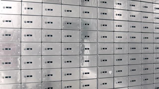 vídeos y material grabado en eventos de stock de cajas fuertes - buzón postal