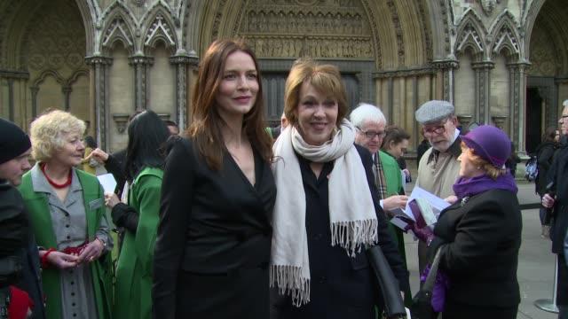 saffron burrows at tony benn - funeral at st margaret's church on march 27, 2014 in london, england. - トニー ベン点の映像素材/bロール